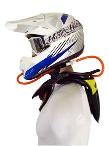 hydratation de spilotes de motos et neck-brace